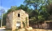 Istra,Vižinada-Samostojeća kamena kuća sa 1500m2 građevinskog zemljišta