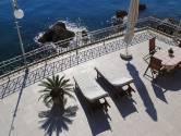 IČIĆI - vila uz more, 4S stan + terasa 200m2