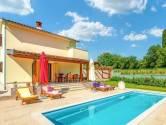 Istra, Istočna strana, poželjna kuća za odmor sa bazenom